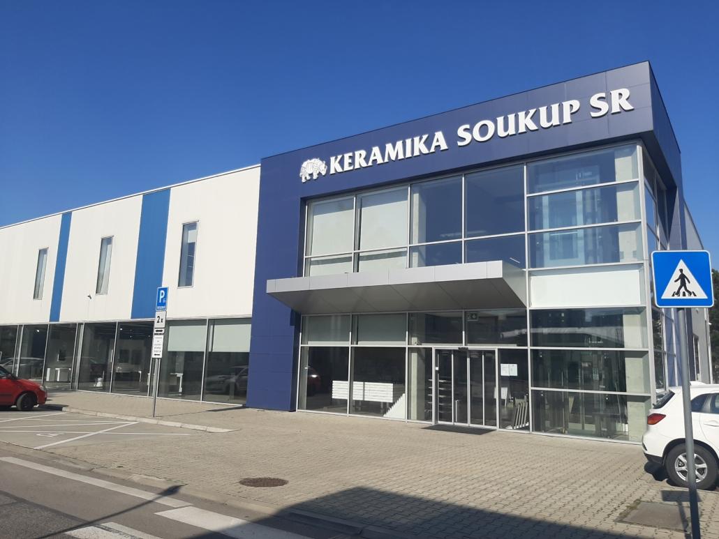obchodna hala pre predaj sanity (3)