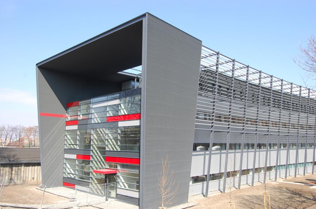 ocelova mntovana budova (2)